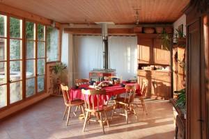 La table d'hôtes dans le jardin d'hiver