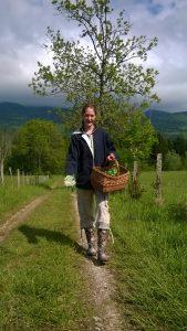 Vous le saviez vous qu'il a y des ours cachés dans les bois de Champagne en Val'romey ? Non ? C'est la preuve qu'ils se cachent bien :-)